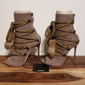 Authentic 😍 DSQUARED2 Ankle Rabbit Fur Booties